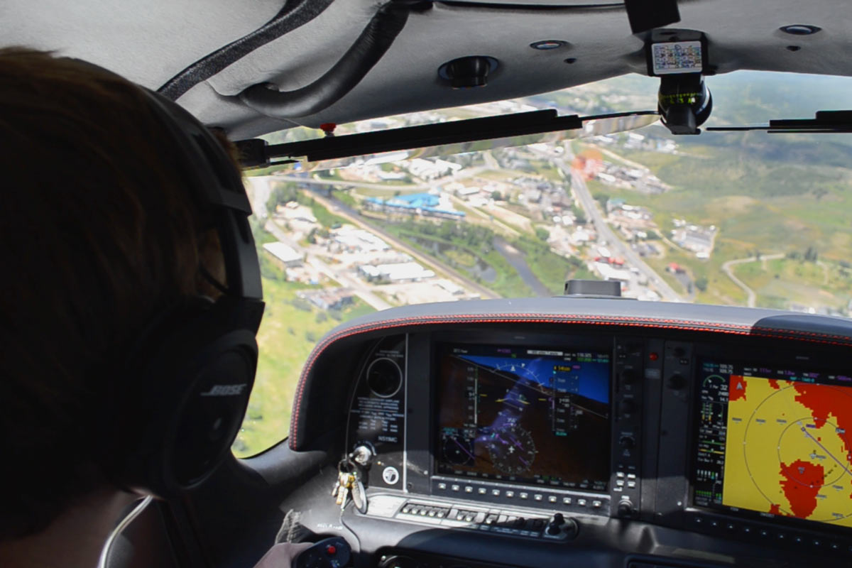 Want To Become A Flight Instructor? Here's What You Need To